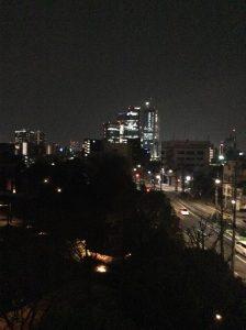 窓から見える景色 夜